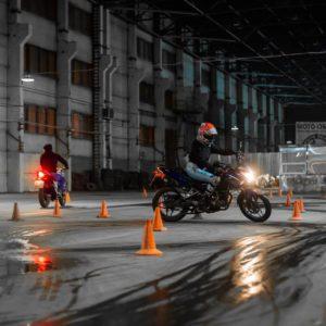 Welche Voraussetzungen brauche ich, um Motorrad zu fahren?