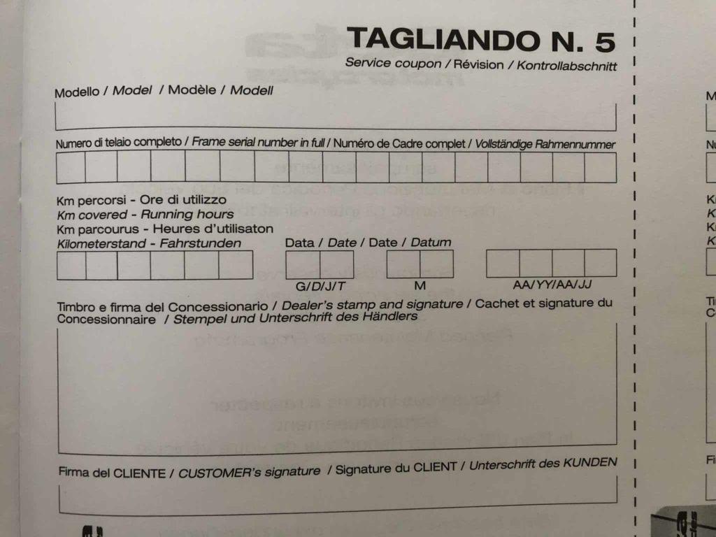 Motorrad Inspektion im Serviceheft eingetragen